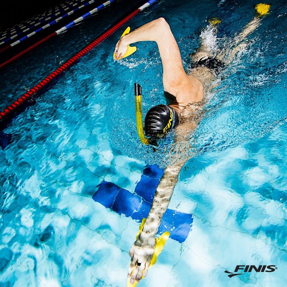 Boccaglio respiratore frontale snorkel Finis