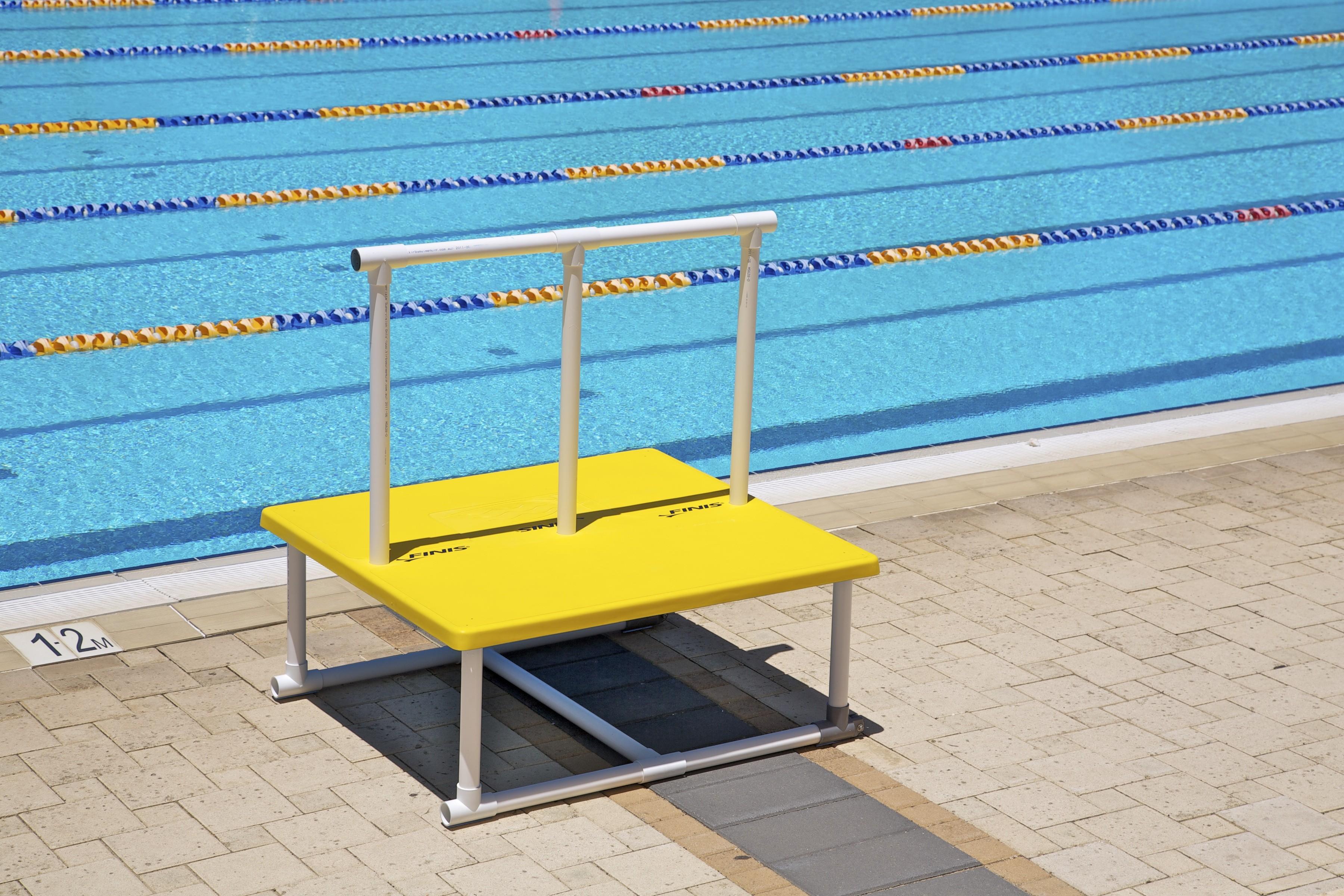 Piattaforma corsi nuoto bambini piscina finis italia - Corsi per neonati in piscina ...
