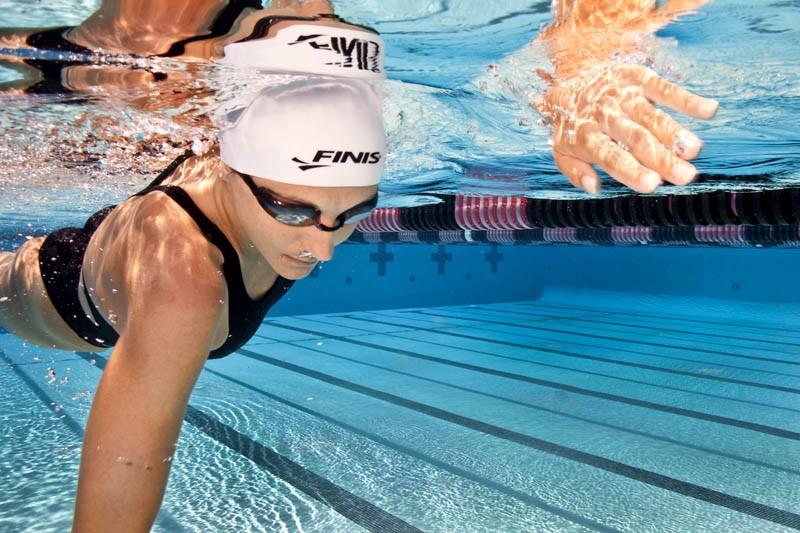 Cuffia gara nuoto Dome Cap Finis bianca